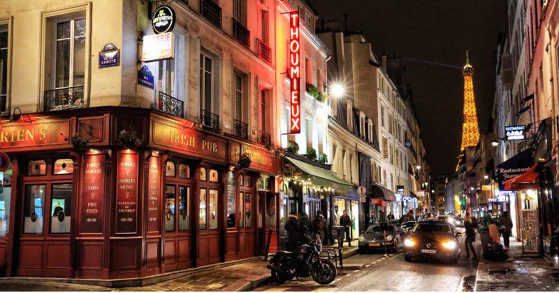 Folies Bergere i Paris